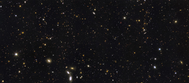 Hubble deep field view of thousands of galaxies
